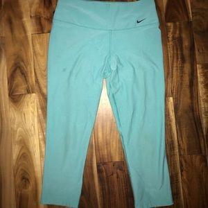 Nike Aquablue Cropped Leggings